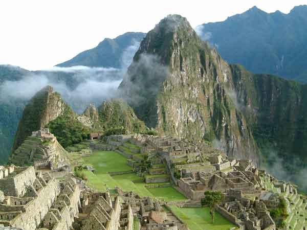 Perú entre brumas del tiempo