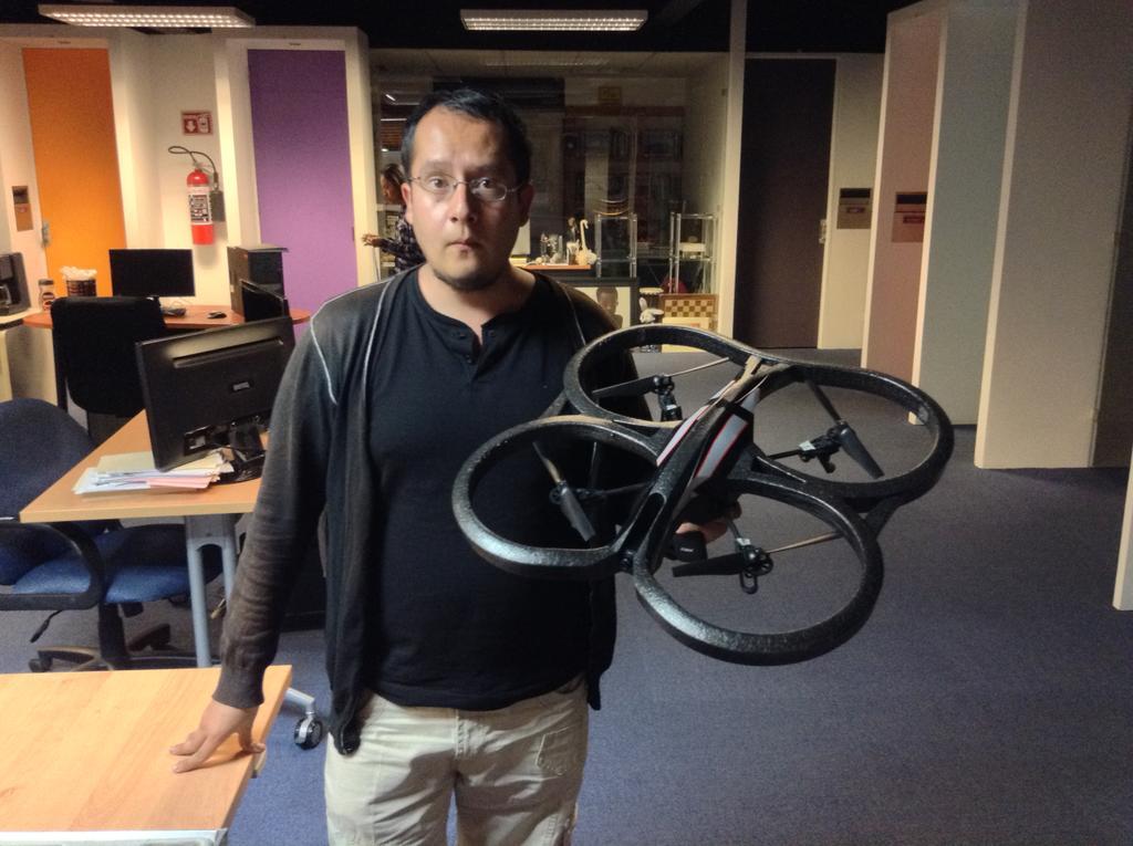 """Desarrolla mexicano dron con brazos llamado """"Aerotorso"""""""