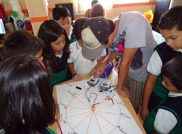Usan robots con niños mexicanos para enseñar matemáticas