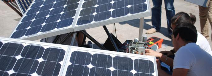 Fabrican seguidor solar de bajo costo