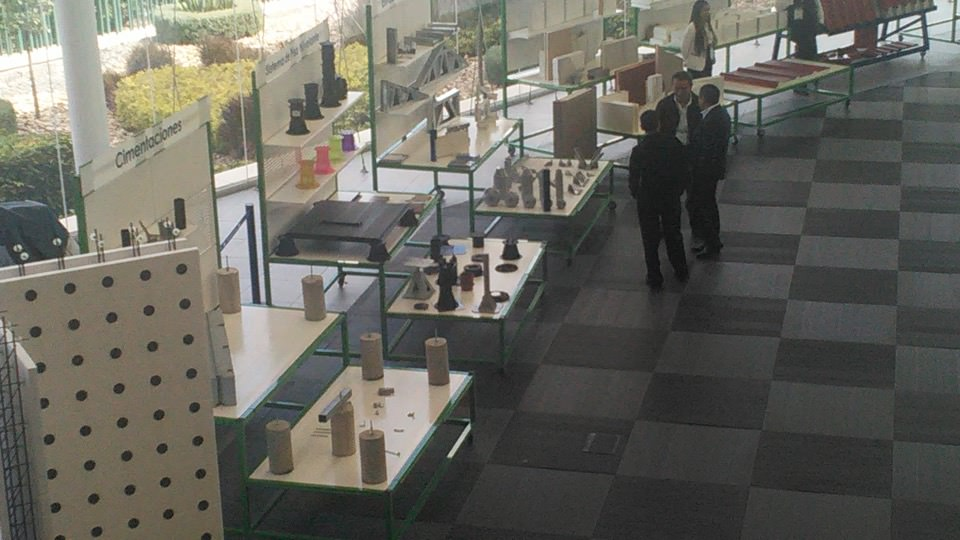 16nov06-antimio-cb-05-campus-day-en-cinnova-f-oto-4-numerosas-patentes-para-construccion
