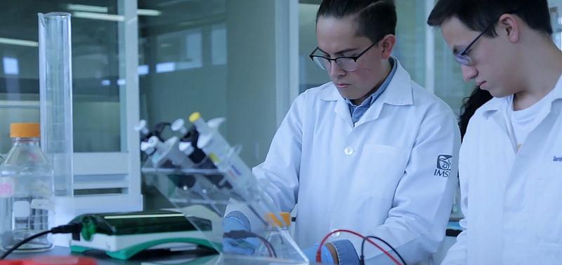 Crean mexicanos desinfectante antibacterial que logra reconocimiento en competencia internacional