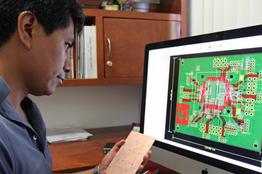 Investigador de la FCE diseña amplificador de voltaje que ahorra energía en aparatos electrónicos