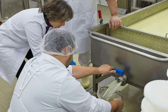 UNAM buscará marca para su bebida nutritiva extraída de lactosuero