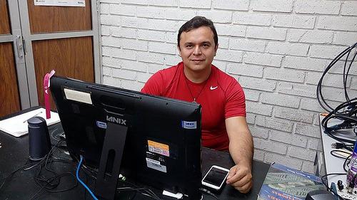Desarrollan ingenieros mexicanos software que decodifica texto y genera audiolibros o código braille para débiles visuales