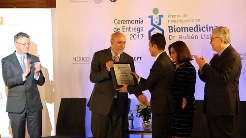 Premian a investigador del Cinvestav por sus avances en fármacos de nueva generación