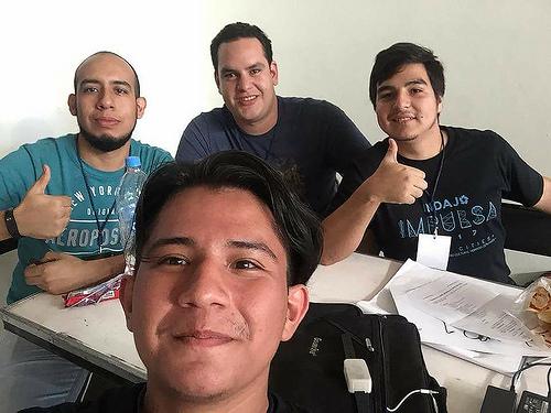 Diseñaron estudiantes mexicanos pulsera que registra los signos vitales en tiempo real