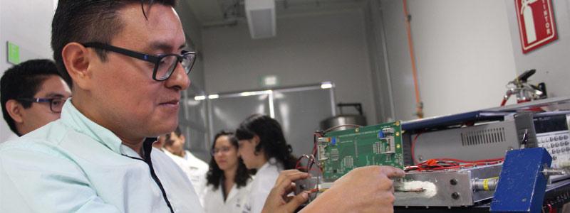 Estudiantes construyen detector de partículas de bajo costo