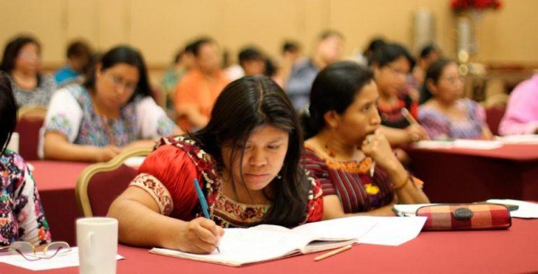 Indígenas, solo 1% de la matrícula universitaria