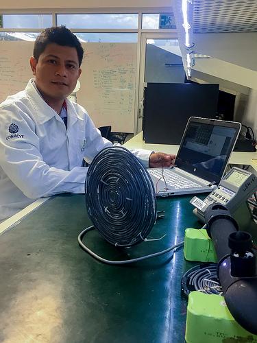 Desarrollan investigadores mexicanos tecnología para cargar de forma inalámbrica dispositivos, automóviles y teléfonos