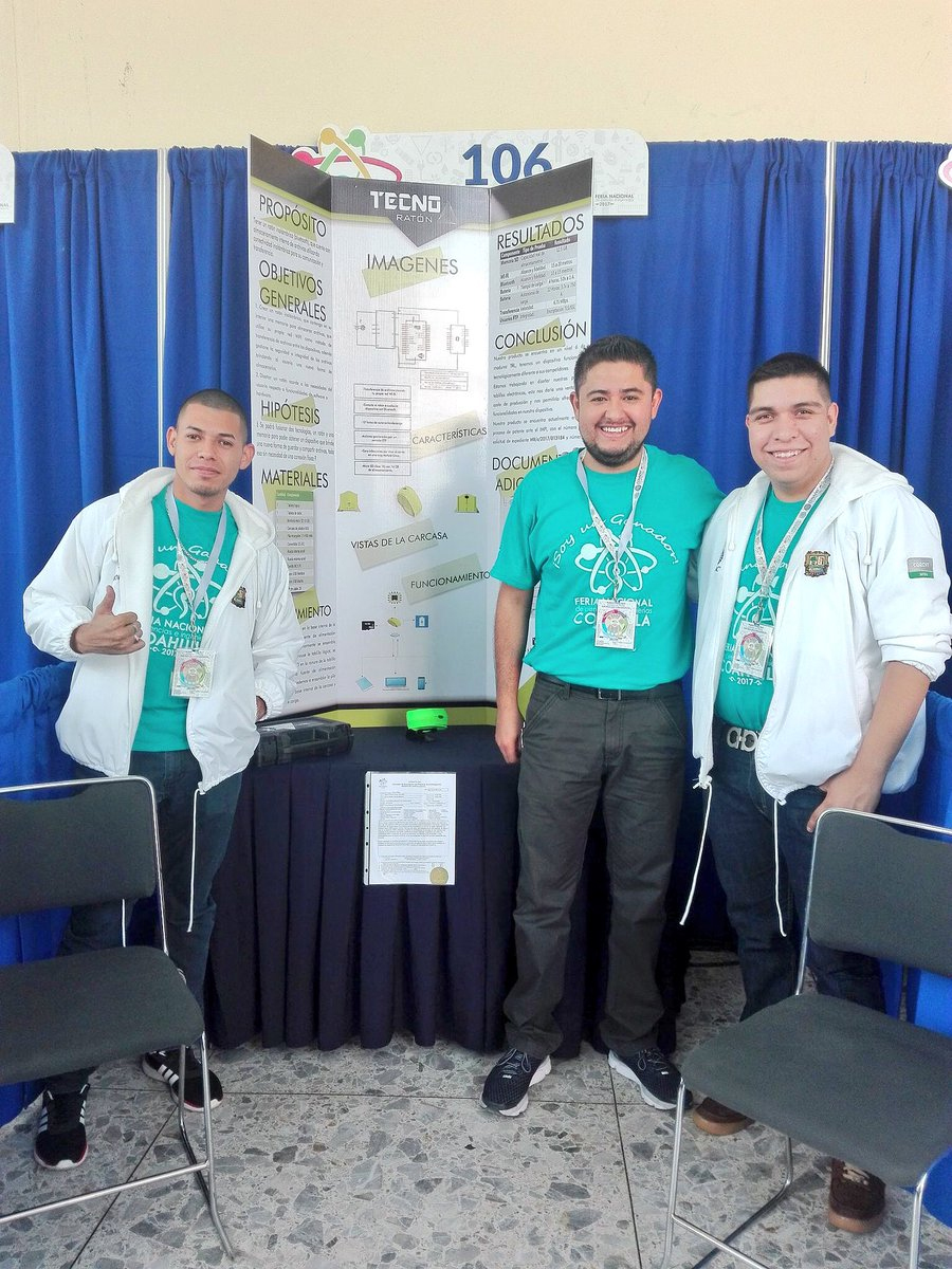 Diseñar estudiantes de ingeniería mouse inalámbrico que almacena y transfiere información