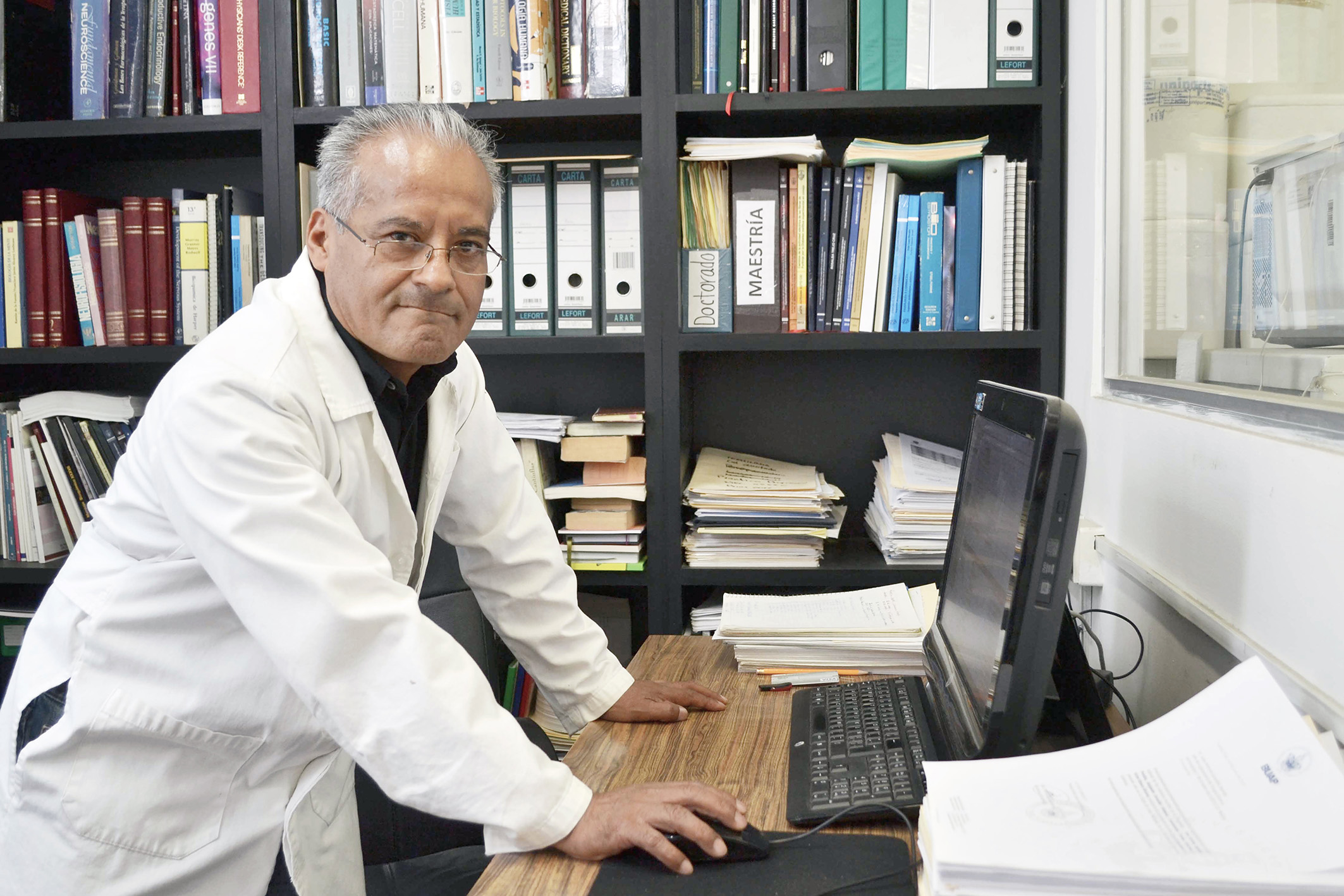 Descubren científicos molécula en planta mexicana que inhibe la división en células cancerígenas
