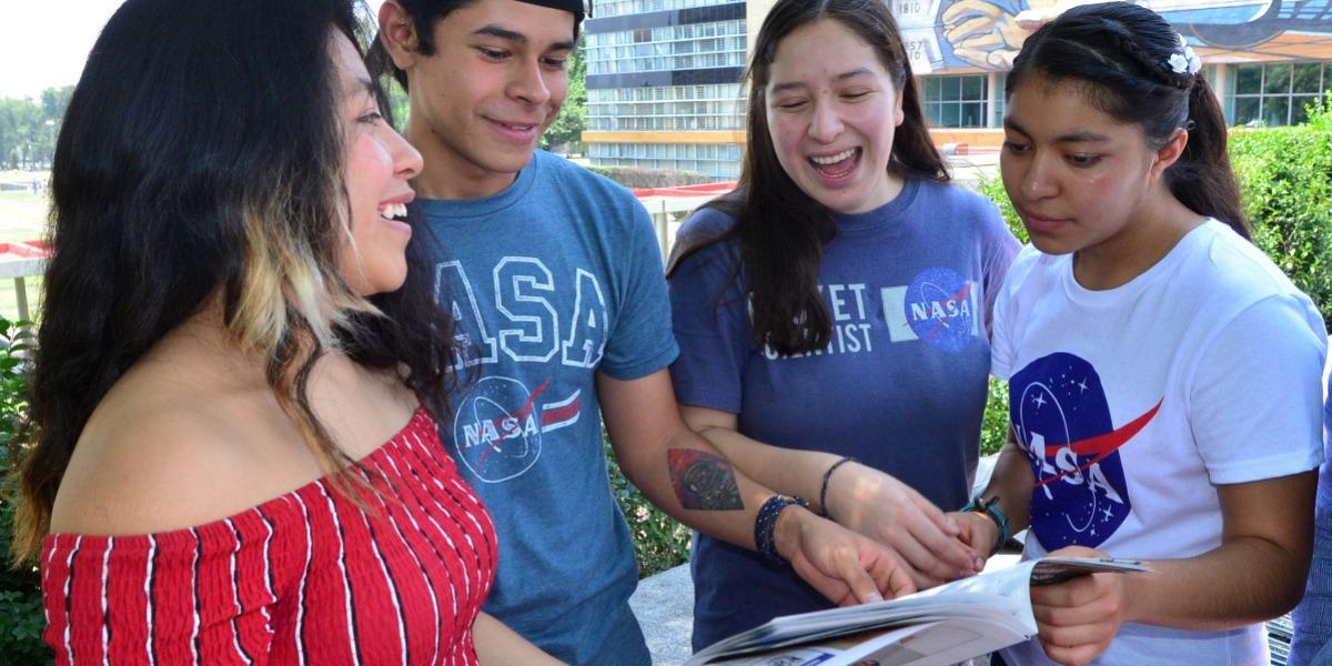 Jóvenes de la UNAM en concurso de la NASA